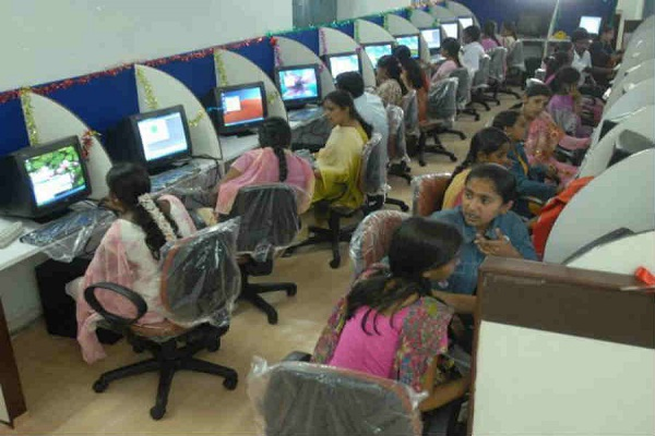 Madhya-Pradesh-Government-declared-33-percent-quota-for-women-in-government-jobs