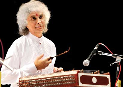 Santoor maestro Pt. Shiv Kumar Sharma honoured with Kala Shikhar award